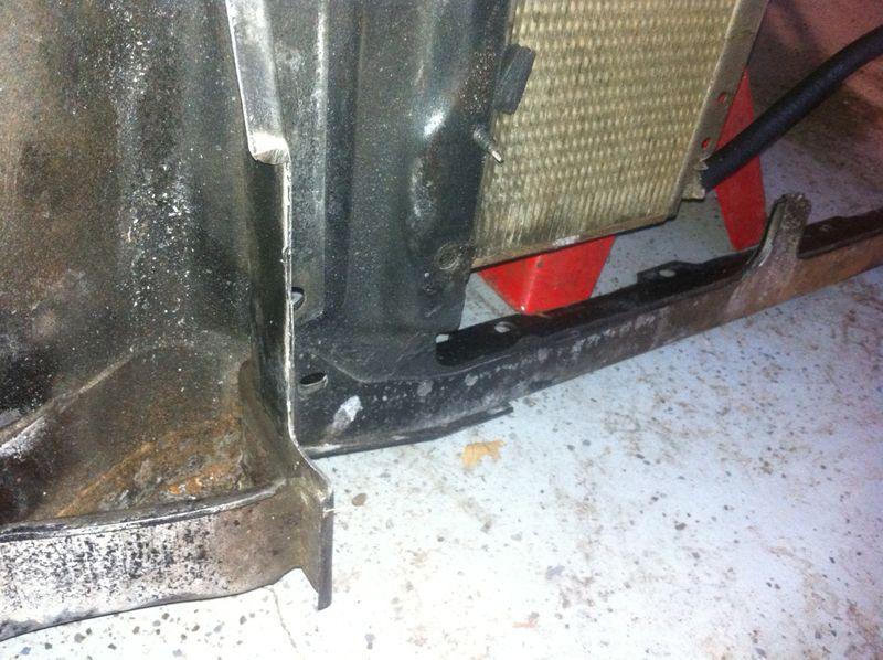Notched radiator brace 2