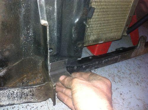 Radiator brace